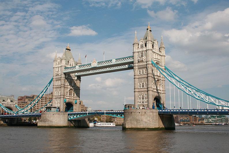 Sehenswürdigkeiten in London: London Brigde, Tower Bridge; London Städtereise;