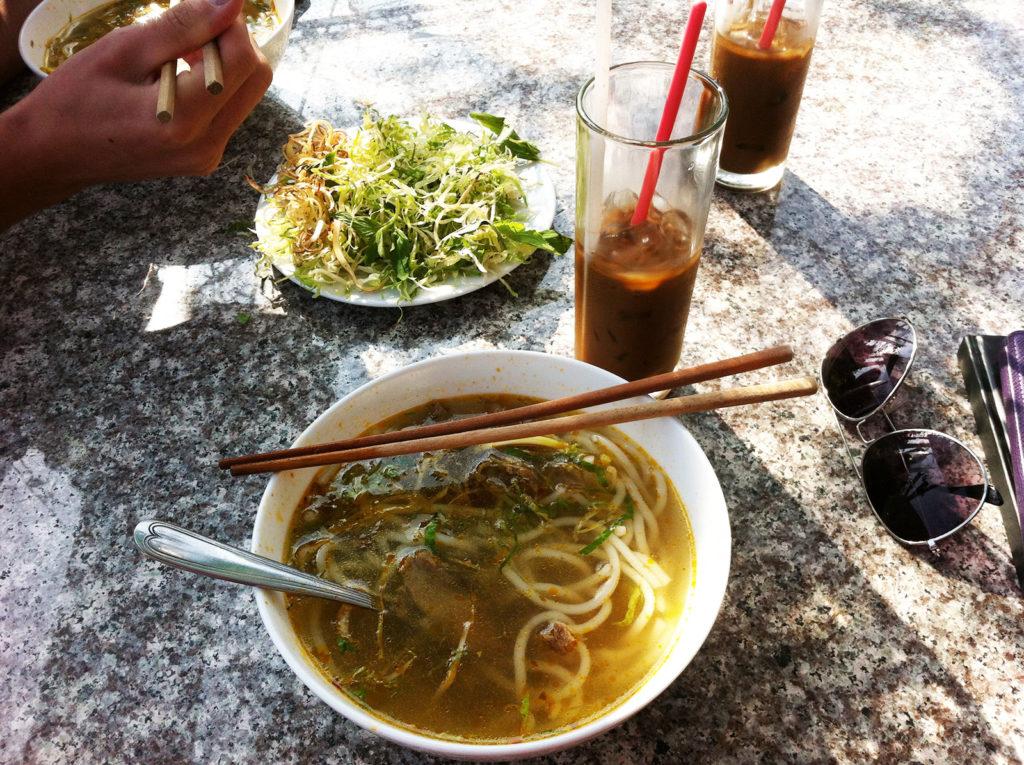 Reisetipps Vietnam Rundreise; Café Nhac Quan Thien Huong