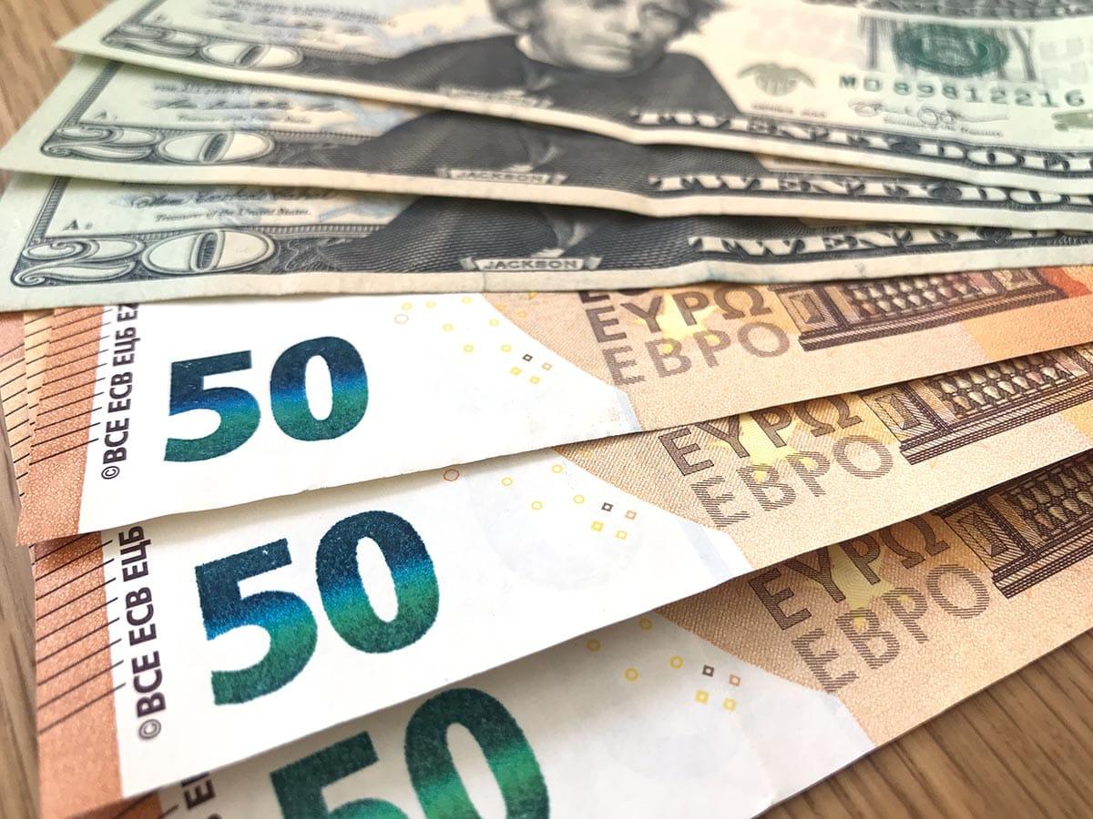 Wichtige Reisedokumente: Bargeld