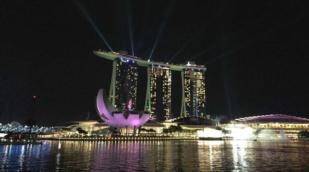 Sehenswürdigkeiten in Singapur, Lichtershow Marina Bay Sands Hotel