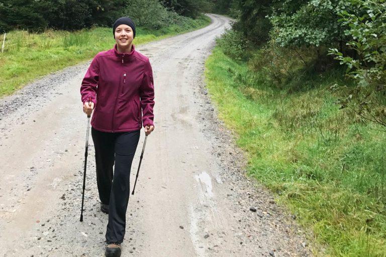 Die besten Nordic Walking Stöcke; Wandern Packliste; Tageswanderung Packliste;