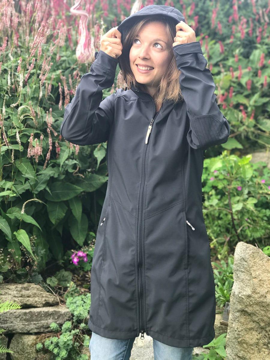 Die beste Jacke zum Reisen: Icepeak Regenmantel