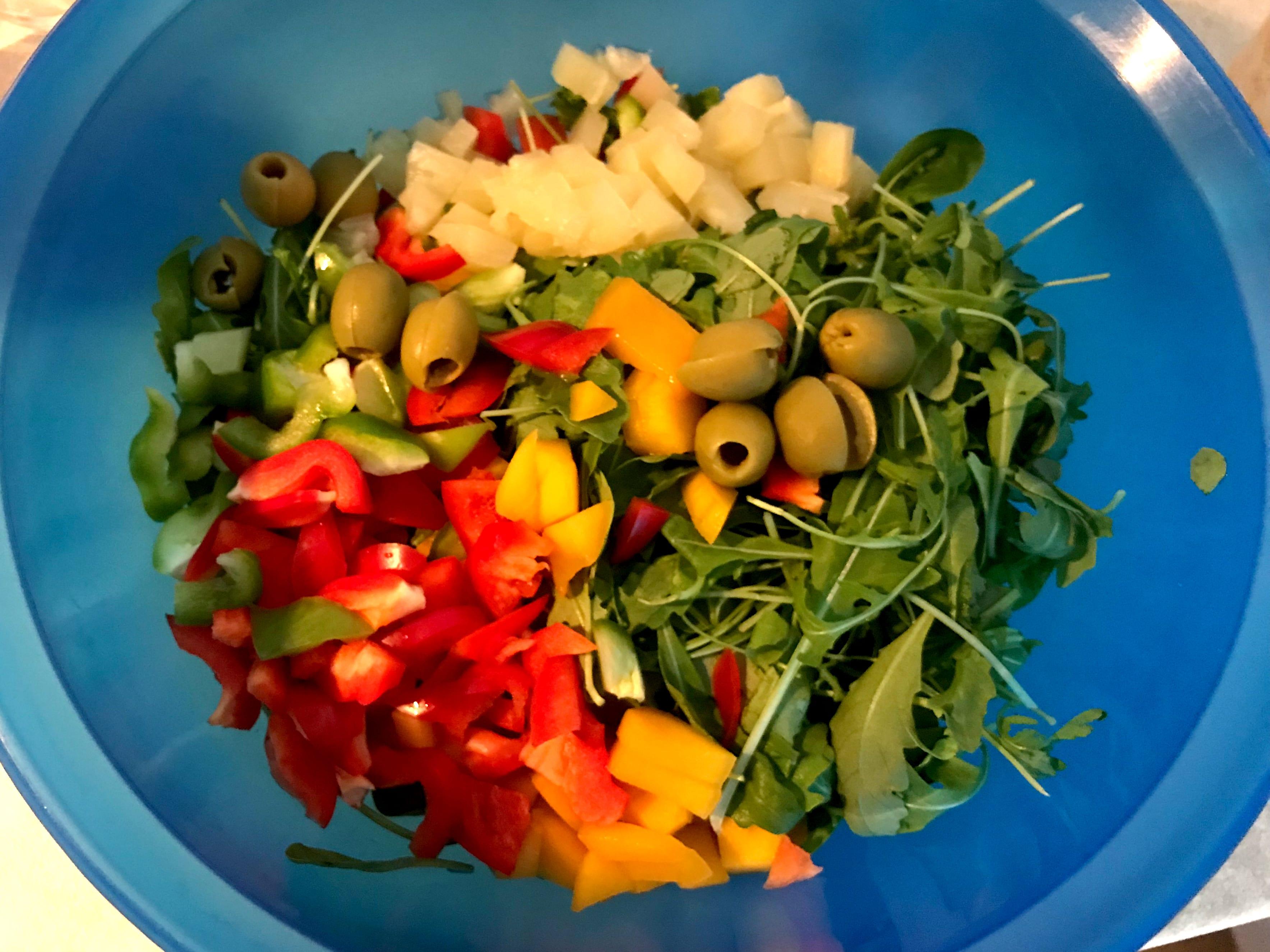Gesunde Backpacker Rezepte: Schneller Salatteller; Schnelle Urlaubsküche; Kichererbsen Salat;